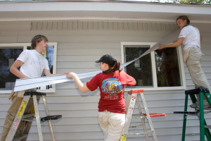 katrina-recovery-tigard-umc-volunteers-repair-home-1024x682